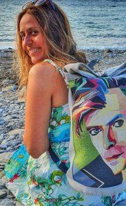 Foto de Itziar Ituno en la playa