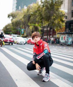 Foto de Libardo Isaza en la calle