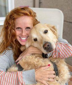 Foto de María Castro con su perro