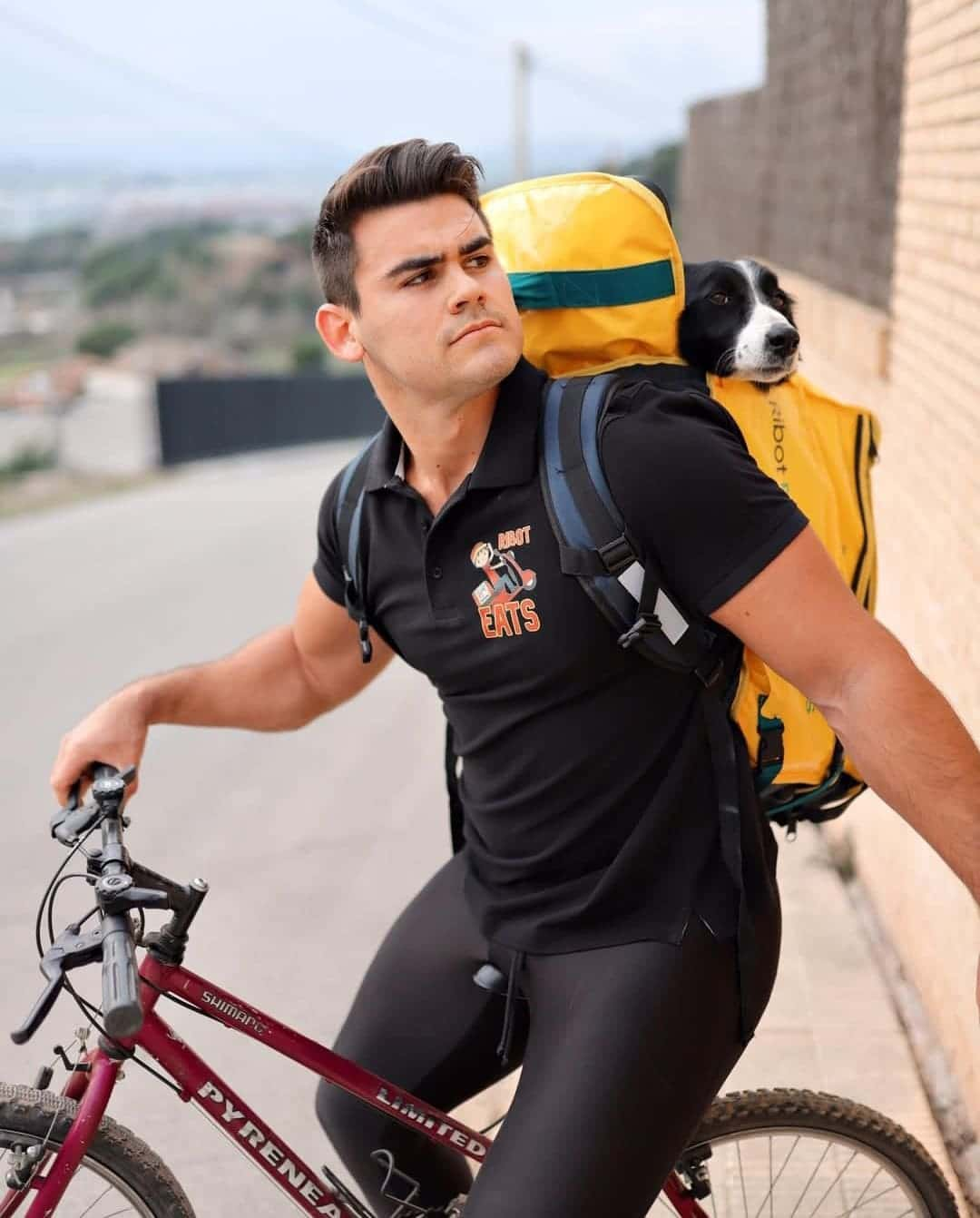 Foto de Didac Ribot en bicicleta